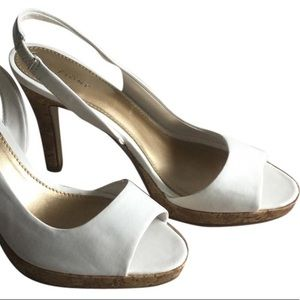 Fioni, white peep toe pumps, 9